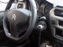 Az autó kézi vezérlése a fogyatékos fék - gáz
