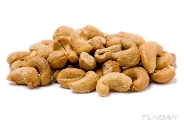 Natural cashew kernels, WW320, Burkina Faso