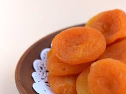 Szárított gyümölcsök Üzbegisztánból