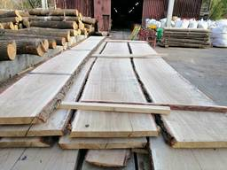 Unedged oak lumber